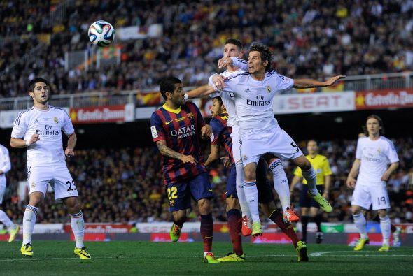 Con 10 minutos por jugar, Barcelona se lanzó al ataque, con más corazón...