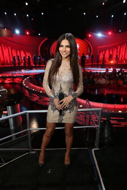 Cabello liso y a mostrar piernas en la cuarta gala.