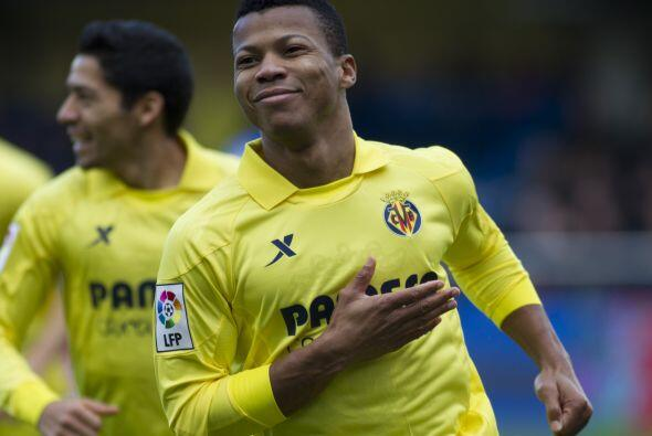 Los tantos del Villarreal fueron anotados por el nigeriano Ikechuwku Uch...
