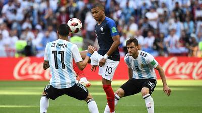 Velocidad y definición: Mbappé fue la pesadilla de la defensa Argentina en los octavos de final