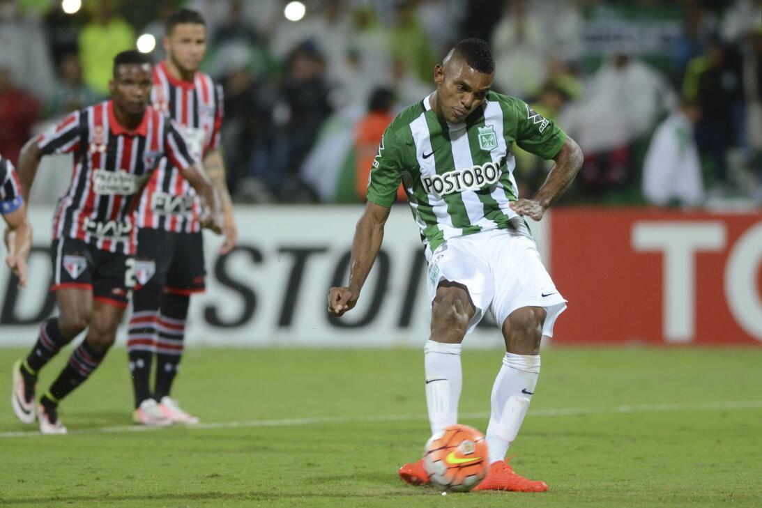 Miguel Borja, el delantero que suena para la Liga MX GettyImages-5473279...