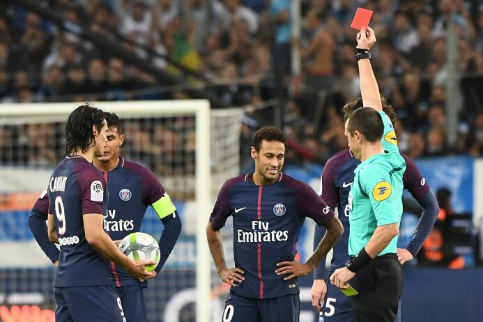 Primera roja del fichaje más caro del mundo: Neymar en su expulsión con...