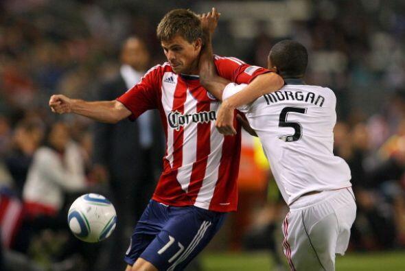 El triunfo le permitió a Chivas USA (35 pts.) ponerse a só...