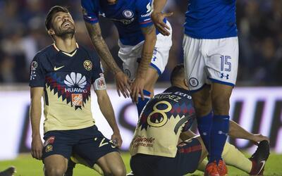 Oribe Peralta se lamenta su falla desde los 11 pasos.