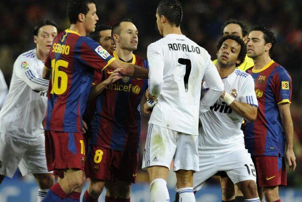 Más tarde, algunos jugadores como Iniesta o Pepe calmaron los ánimos.