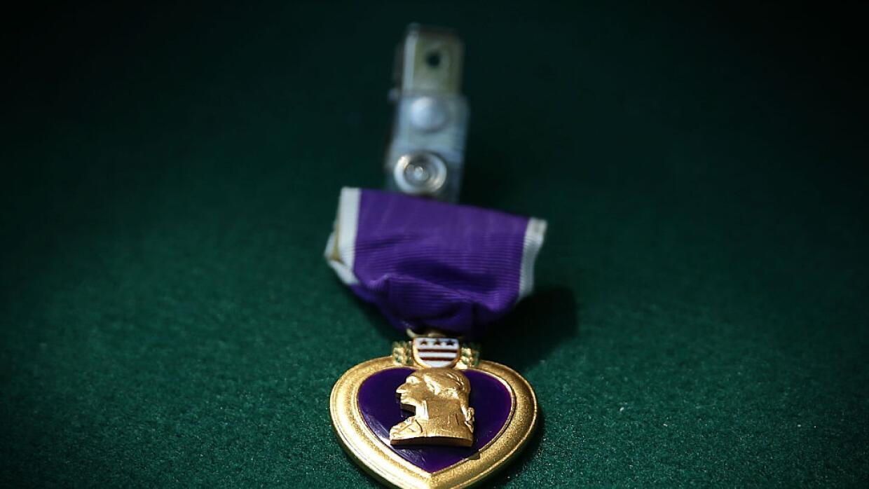 El Corazón Púrpura, con el perfil del general George Washington