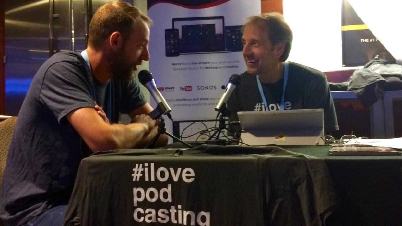Los podcasters aman entrevistar y ser entrevistados.