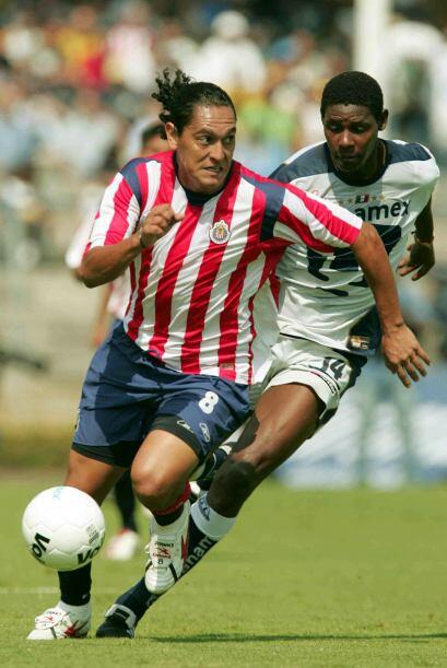 Pumas jugó sin nueve titulares la fecha 17 del torneo.  Fernando Espinos...