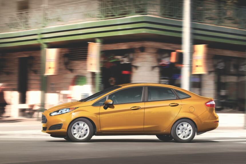 El Ford Fiesta Sedan se moviliza con un motor de 1.6 litro de cuatro cil...