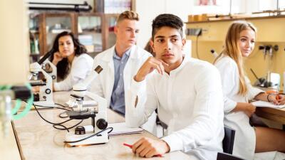 Las minorías y las mujeres están subrepresentadas en las disciplinas STEM.
