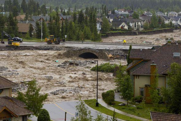 El Servicio Meteorológico de Canadá informó que el sistema de bajas pres...