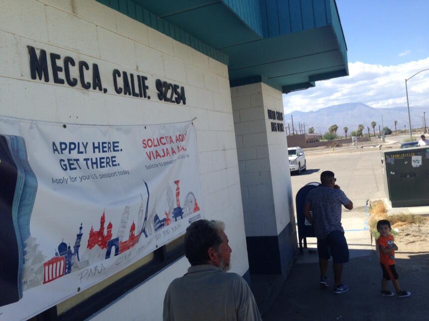 El este del Valle de Coachella es una zona de contrastes económicos.
