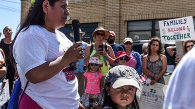La separación de familias en la frontera ha unido a extraños: histórica campaña en Facebook supera ya los $20 millones