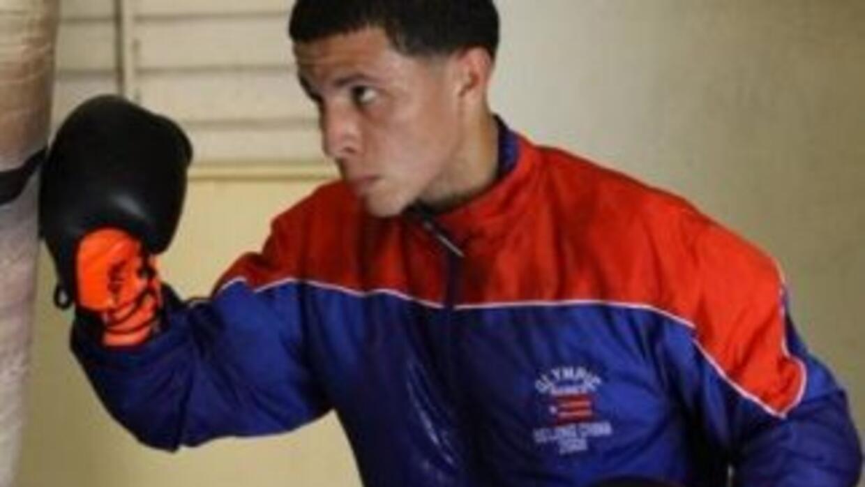 McWilliams Arroyo se prepara fuerte para su pelea de título mundial cont...