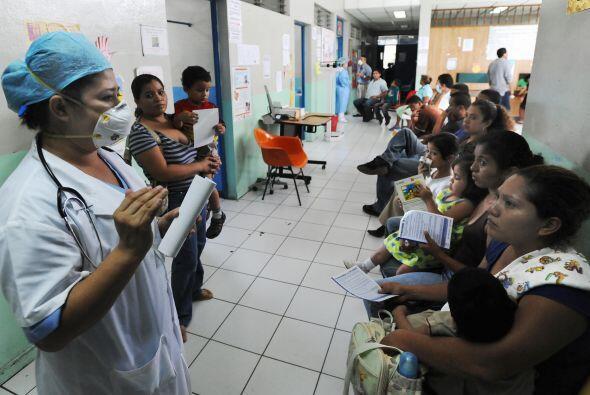 Mientras, los heridos siguen recibiendo atención médica en los hospitale...