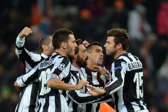 Gracias a un autogol, Juventus derrotó coo visitante al Shakhtar y de pa...