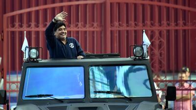 Conoce el enorme vehículo anfibio que Maradona recibió de regalo en Bielorrusia