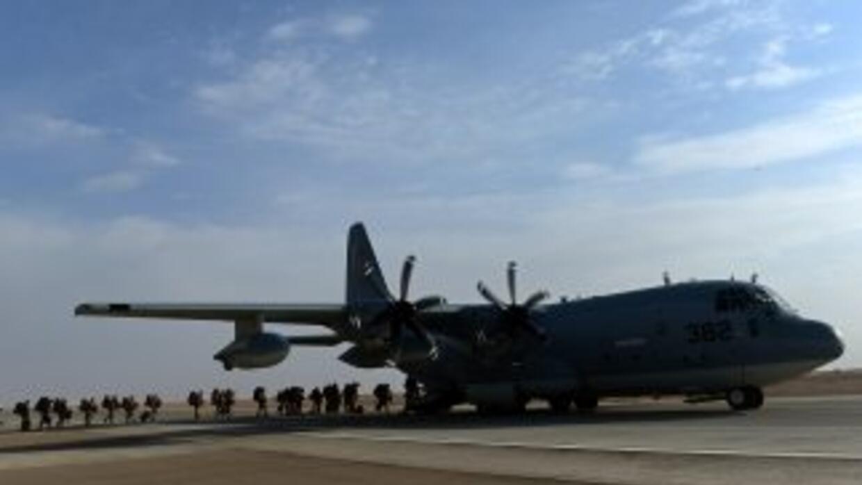 El C-130 Hércules es un avión turbohélice de cuatro motores, generalment...