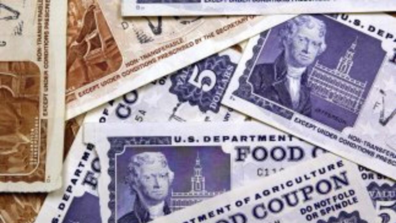 Legisladores acordaron una ley que contiene un recorte de $8,000 millone...