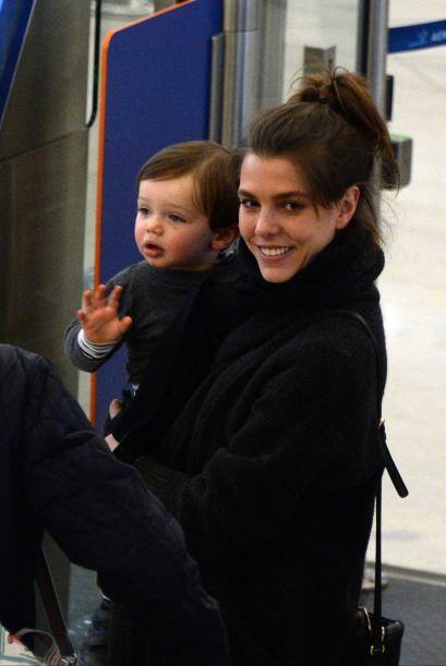 Siempre que las cámaras la captan junto a su hijo se le ve sonriente y d...