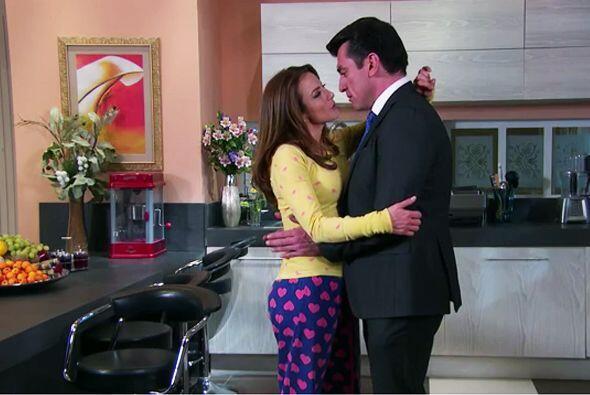 ¡Qué bueno que se reconciliaron Ana y Fernando! No nos gusta verlos enoj...