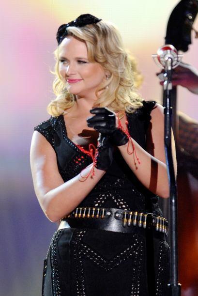 Junto a Blake estará cantando Miranda Lambert.