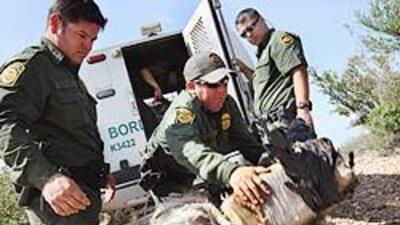 Bajan arrestos de inmigrantes en la frontera, pero aumentan los incautam...