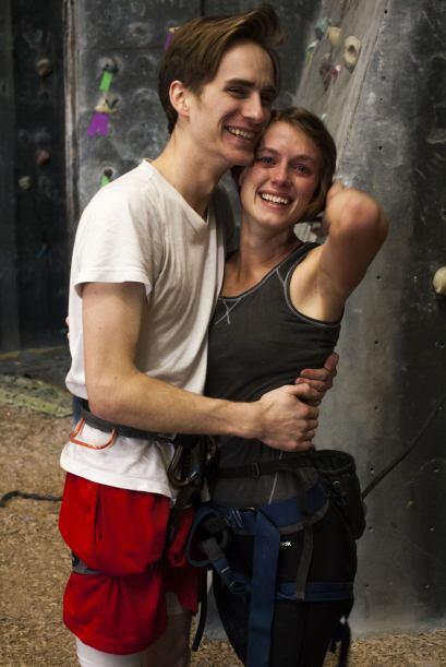Payne era el contra peso de su novia en el aire y si no sujetaba bien la...