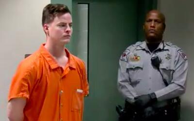 El soldado Levi Austin Goss, de 24 años, fue arrestado bajo cargo...
