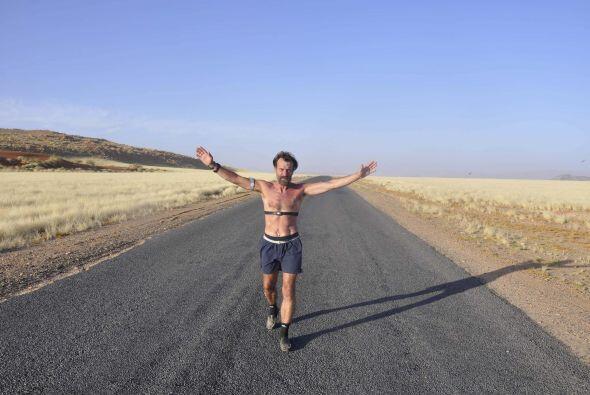 También obtuvo un récord al correr un maratón completo en el círculo Árt...