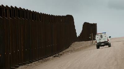 La valla existente hoy, a la altura de Nogales, en Arizona.