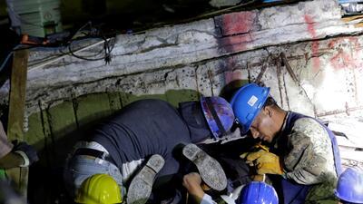 En fotos: Labores de rescate en la escuela colapsada en Ciudad de México