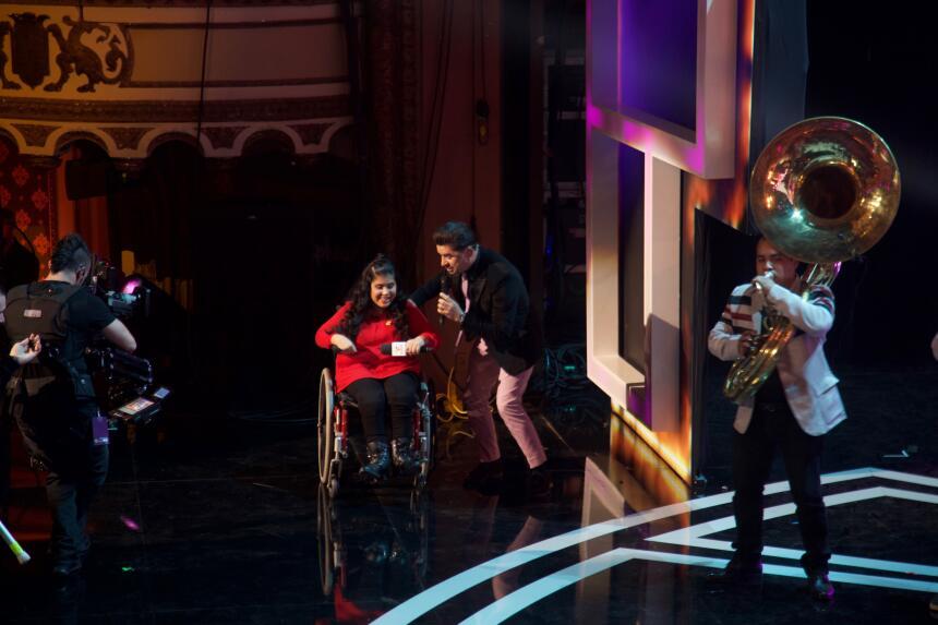 Larry Hernandez llegó al escenario de TeletónUSA.