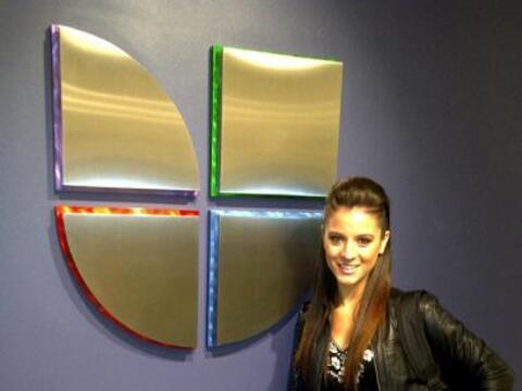 La argentina llegó a Univision en Miami para compartir con los di...