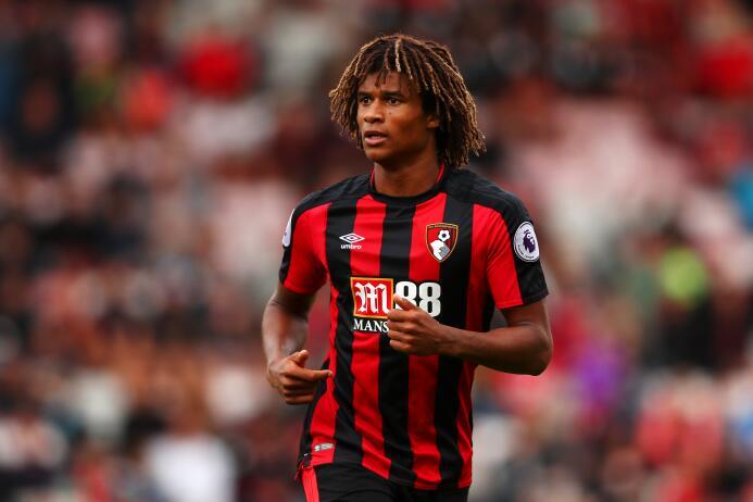 Nathan Aké (Bournemouth): ya jugó allí la pasada temporada y no lo hizo...
