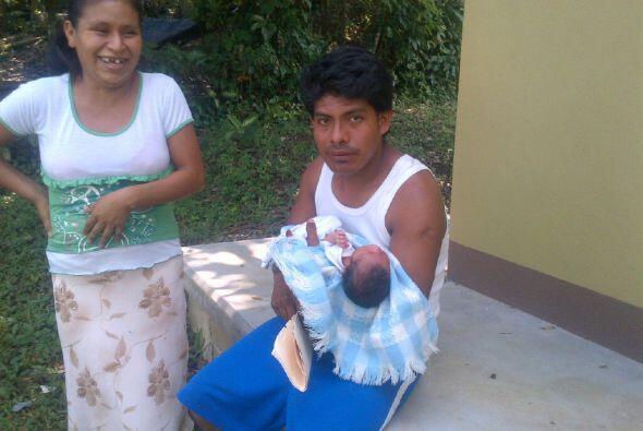Le dio la vuelta al mundo una foto de Irma López Aurelio dando a luz sol...