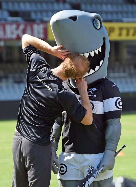 El Príncipe Harry jugando rugby en Sudáfrica