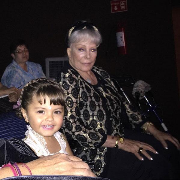 Verónica Castro y su madre