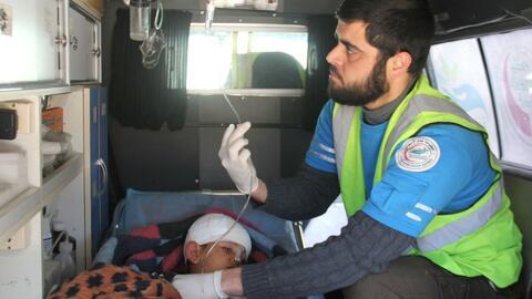 Sobrevivientes al ataque en Siria, trasladados a hospitales en Turquía