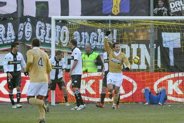 La Juventus ganó 2-1 y se mantuvo en el tercer lugar de la 'Serie A' del...