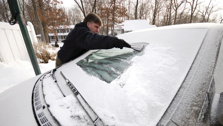 No salgas sin tu raspador de hielo durante clima helado