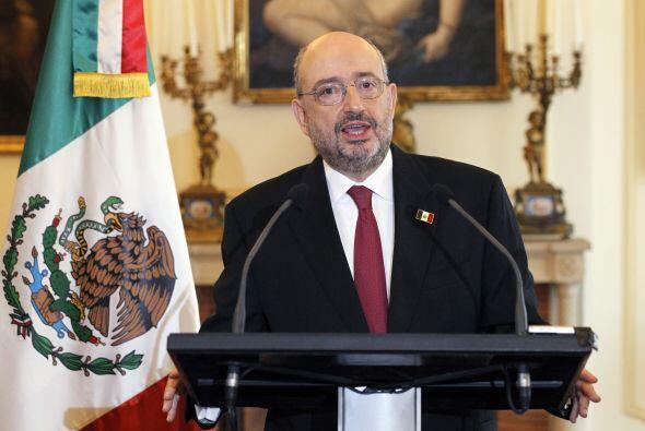 El embajador de México en Francia, Carlos de Icaza, dio una conferencia...