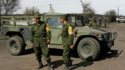 La Policía de Coahuila halló en Piedras Negras una camioneta con 'tres m...
