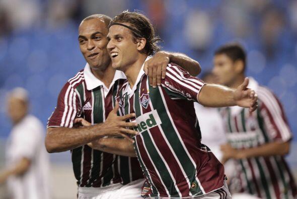 El Grupo Tres con Fluminense (Brasil), América (México), A...