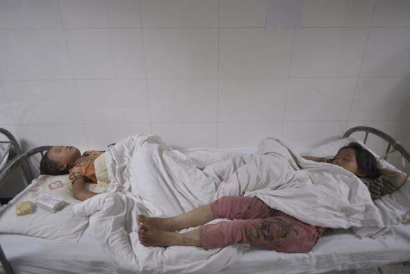 Al menos 398 personas murieron en un fuerte terremoto de magnitud 6.5 qu...