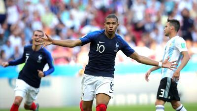 En fotos: Francia pasó a cuartos de final con un 4-3 contra Argentina con categoría