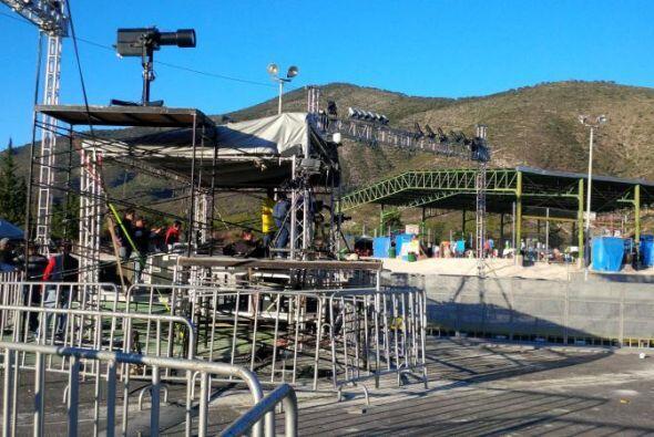 """El escenario dispuesto para recordar a """"La Diva de la Banda""""...."""