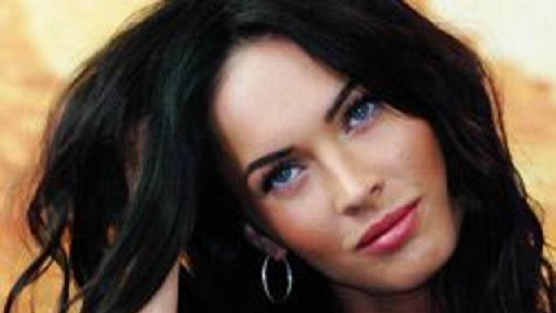 Megan Fox amenaza con golpear a quien la fotografíe desnuda 1a1163881e67...