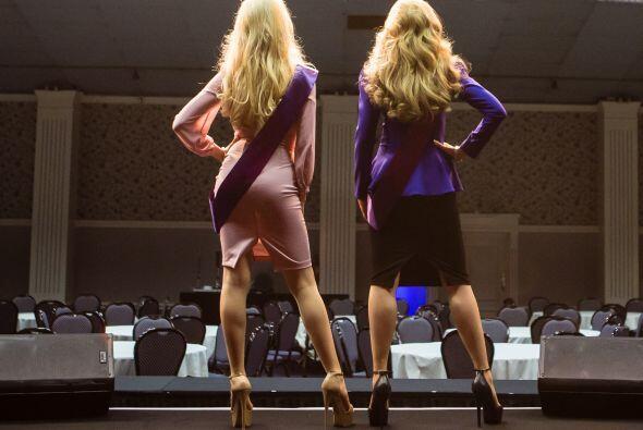 Las dos entraron a un concurso de belleza: Galaxy UK, pero cada una en u...