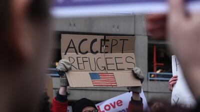 En fotos: Protestas e indignación en aeropuertos tras el veto a ciudadanos de siete países de mayoría musulmana